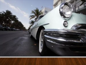 Fotomural Decorativo para Sala: Perspectiva Auto Clasico (Copiar)