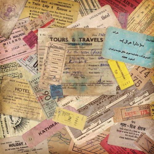 FONDO DE VIAJES DE ÉPOCA HECHOS DE DOCUMENTOS ANTIGUOS 500x500 - Fotomural Tapiz Documentos Antiguos de Viaje